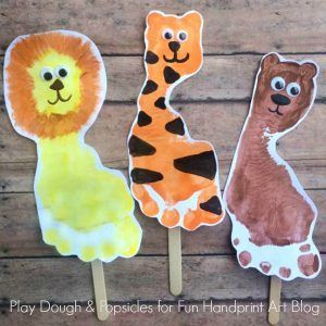 Footprint Craft For Kids: Lions, Tigers, & Bears. Oh My!