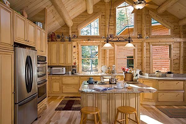 Nice open kitchen with an island to handle all of your for Log cabin open planimetrie