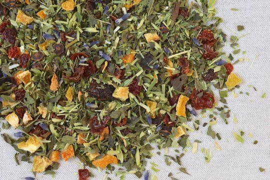 Homemade Lemon Balm Tea (lemon balm, oatstraw, rosehips, orange peel and lavender)