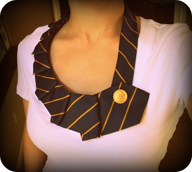 Tie necklace: Cute!