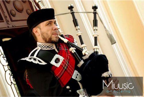 miuusic@hotmail.com contrata Gaitas escocesas para tu evento!