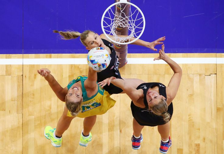 Pictures of the week: August 14, 2015 SYDNEY, AUSTRALIA Caitlin Bassett of Australia is challenged by Leana de Bruin (L) and Casey Kopua (R) of New Zealand during the 2015 Netball World Cup match between Australia and New Zealand at Allphones Arena on Aug. 9.