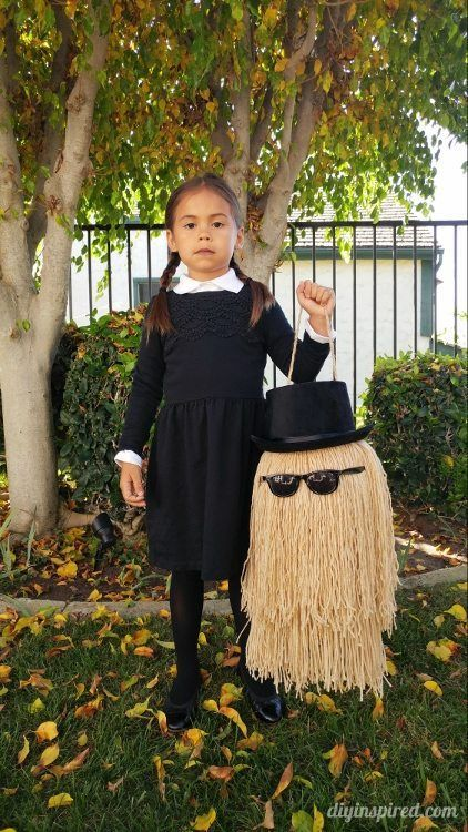 Cousin It DIY Trick or Treat Pail; The perfect Wednesday Addams Family accessory for a spooky Halloween costume!