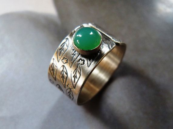 Chrysoprase ring handcrafted ring metalwork wideband by Mirma