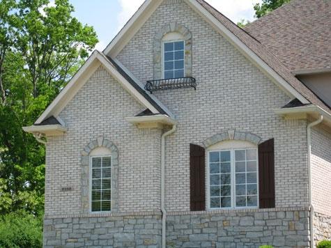 Brick Exteriors Stone Exterior Exterior Colors Asphalt Roof Trim Color Window Trims White Bricks Iron Work House Floor