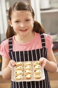 KIDS BRUNCH Mini foods that kids can eat without utensils work well for brunch parties.