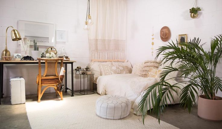 'Mr. Kate Decorates Dorm Room Decor 3 Ways' video is up now! This is the Neutral Bohemian style room and check out the other two (Modern and Colorblocked) and how they all got put together in the video on YouTube.com/mrkate (link in bio)! Tips can be...