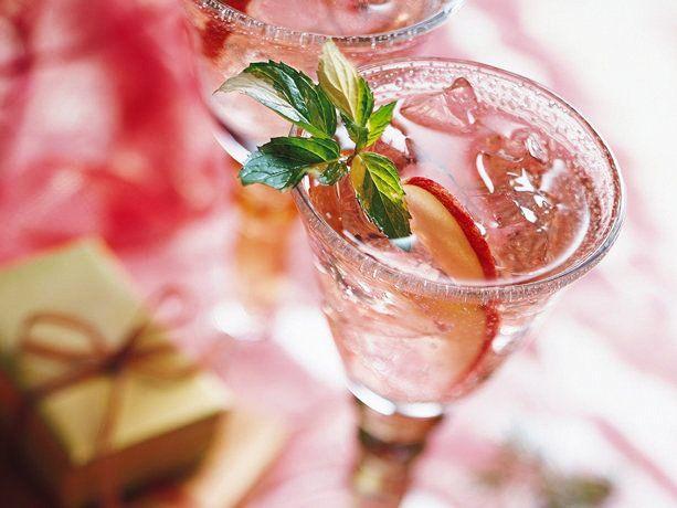 30+ Holiday Cocktails - Noel Spritzer