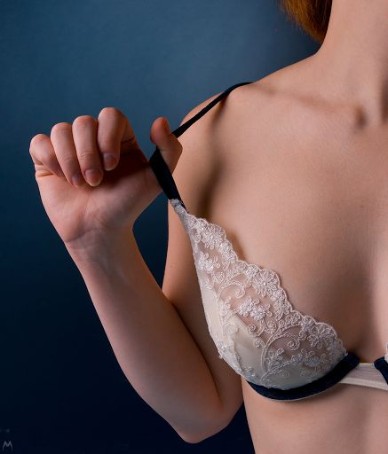 Honest Bra Fitting Advice From Someone Who Hated Wearing Bras For Years… Until She Found The Right Bra Size For Her Body Using These Expert Tips
