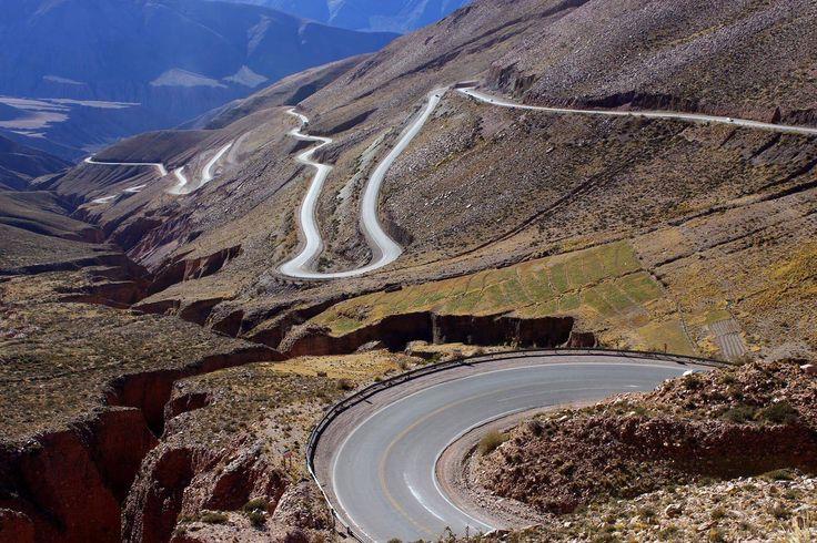 Cuesta de Lipán, Ruta Nacional 52, departamento de Tumbaya, Jujuy. Foto de Gilda Malpiedi.