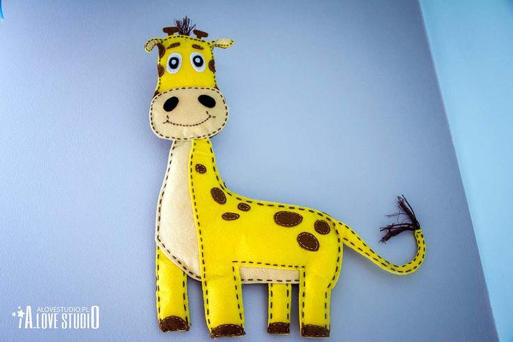 Ozdoba do pokoju dziecięcego żyrafa z filcu