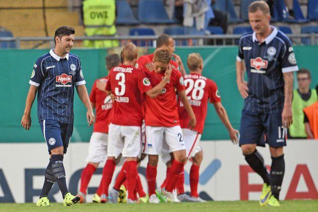 Arminia verliert im DFB-Pokal 0:2 gegen Hertha BSC +++  Aus in Runde eins