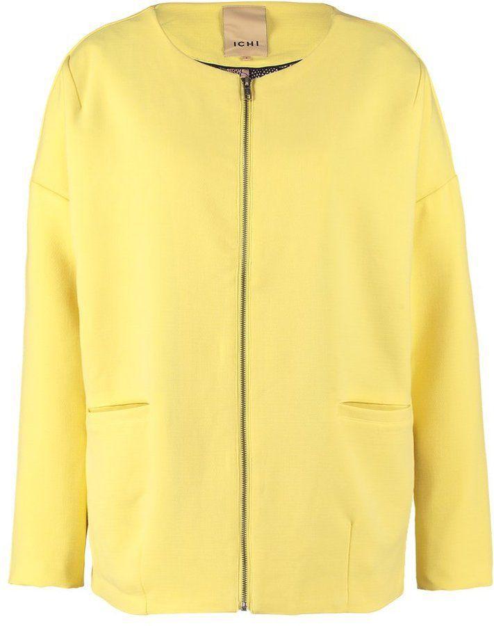Pin for Later: Heißt den Frühling willkommen mit diesen Kleidern in Pastelltönen  Ichi URANI JA Übergangsjacke in Pastellgelb (80 €)