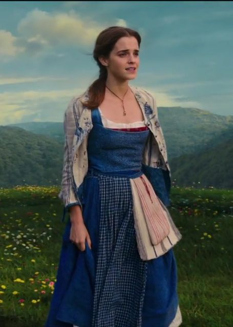 "Emma Watson Sings ""Belle Reprise"" in Beauty and The Beast Golden Globe TV Spot"