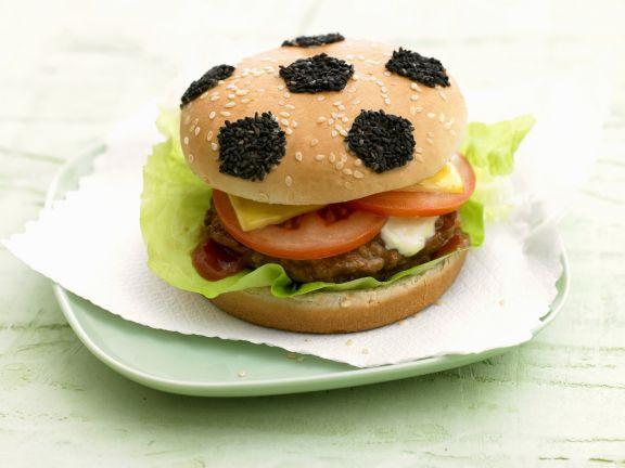 Probieren Sie den leckeren Fußball-Hamburger von EAT SMARTER oder eines unserer anderen gesunden Rezepte!