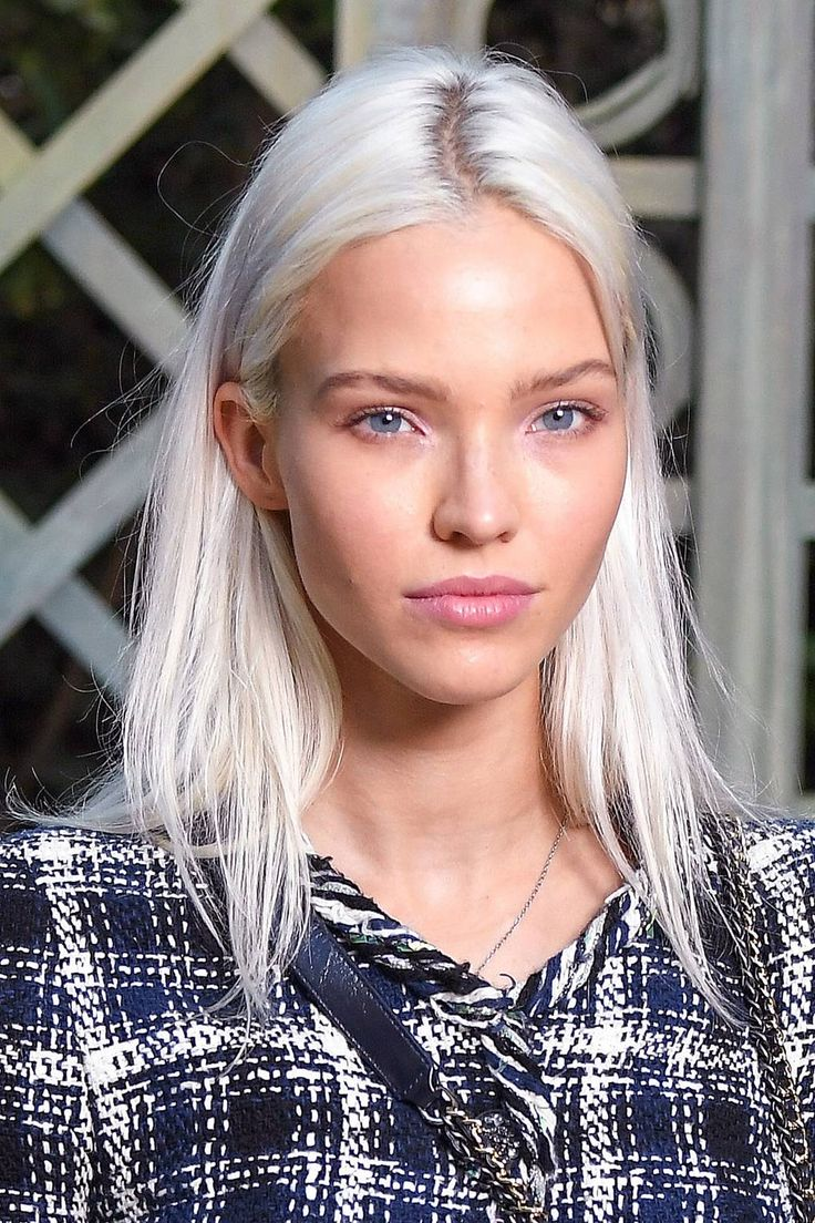 Platinum blonde may be the freshest shade for summer season. Here is all of the inspo you want