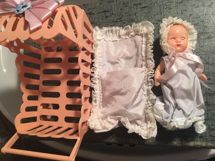 Vintage A Hollywood Doll Mfg. Company Baby Bunting Buggy Storybook Playmate