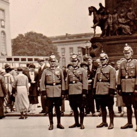 Berliner Polizei Unter den Linden 1937