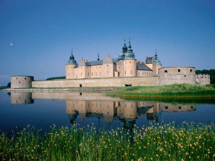 Kalmar Castle - my great grandfather, Joel Larson cared for the King's horses in Sweden before they came to America.  He would take them swimming in the lake next to the castle...this was the King's summer castle, near where Joel grew up!
