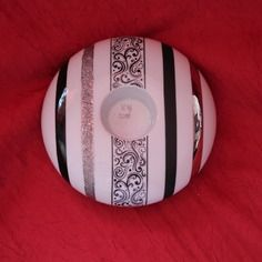 Bougeoir rond en porcelaine noir, platine et décalcomanie