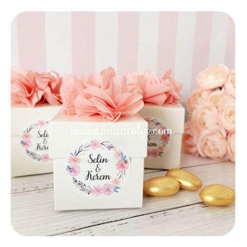 Çiçek Süslemeli Kutu Nikah Şekeri