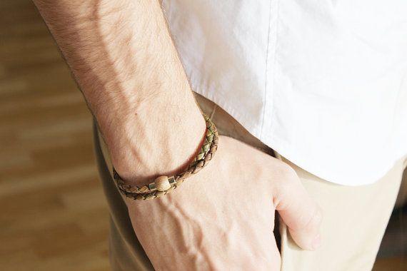 MEN BRACELET. Unisex bracelet. Braided leather by kalmabisuteria