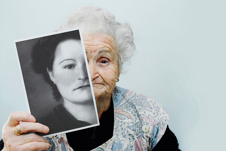 I absolutely love this picture.  Maybe I'll do this when I'm old, or maybe I should do it with my grandmother.  Stumbled upon this here - http://www.withtwocats.com/2012/03/friday-favorites.html