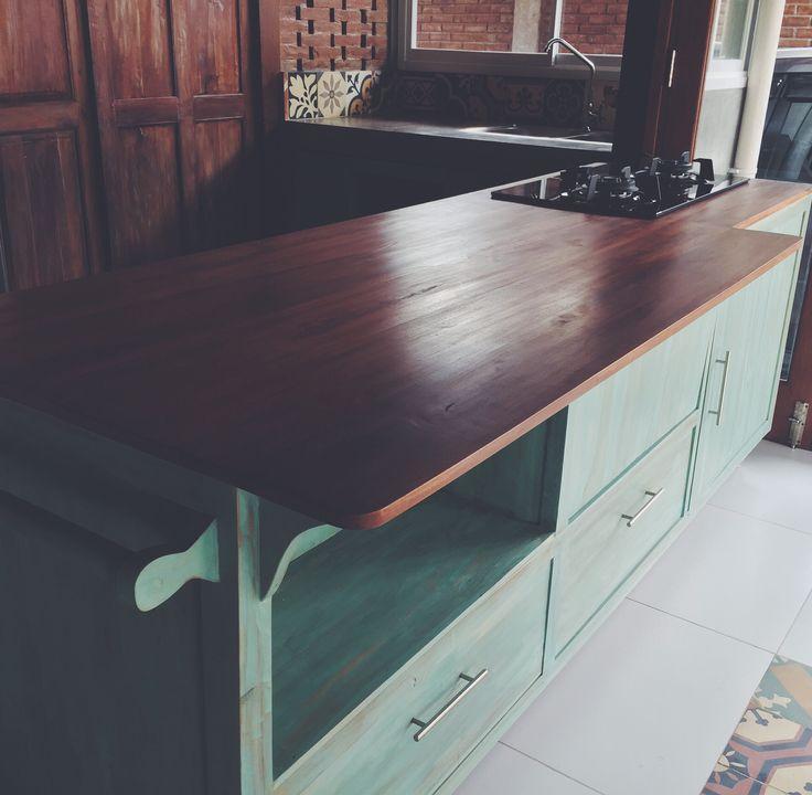 Free to move kitchen island   #HandyBunny #Earthmade  #Handmade