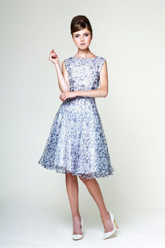 Wish the sleeves were just a bit longer... Daisy - lightweight evening dress made of organza silk by Mrs Pomeranz