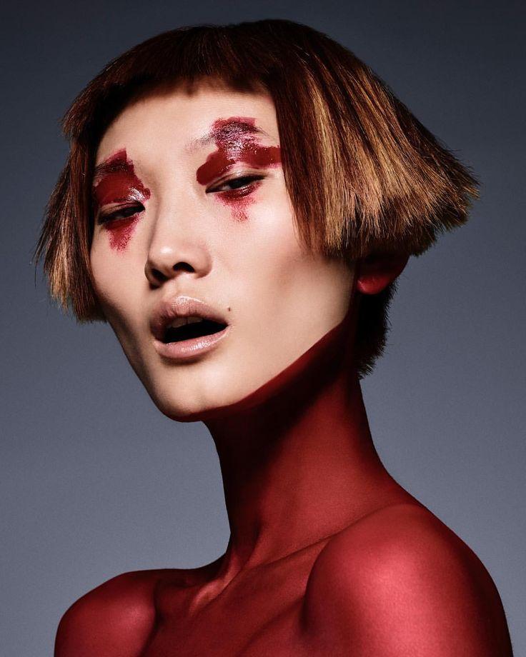 "3,781 mentions J'aime, 43 commentaires - Schön! Magazine (@schonmagazine) sur Instagram: ""Seeing red schonmagazine.com/center-stage/ Photography / @JavierLopezphoto Fashion /…"""