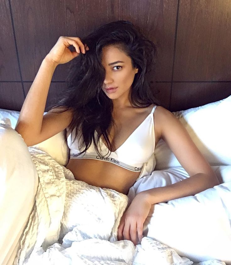 Shay Mitchell is so beautiful with or without make up
