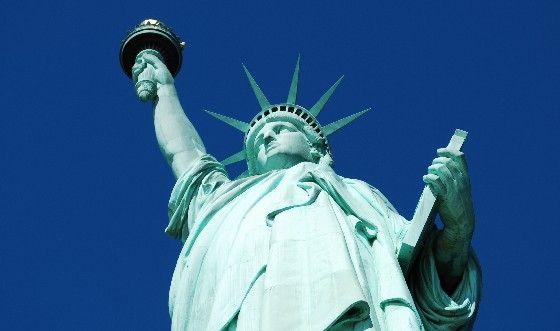 La Statua della Libertà: tutto quello che dovete sapere Vi siete mai chiesti quale sia la storia di uno dei simboli di New York? La statua della libertà ha fatto un lungo viaggio in oceano prima di arrivare sulle coste statunitensi. #newyork #statueofliberty #libertà