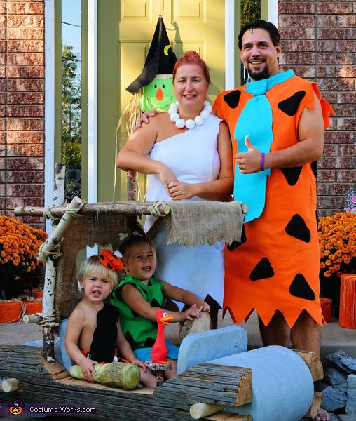 The Flintstones Family - 2016 Halloween Costume Contest