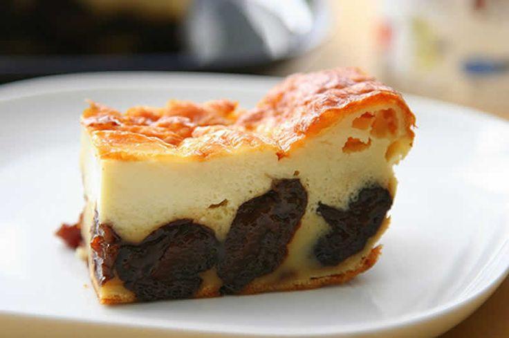 Gâteau Far Breton au thermomix. Je vous proposes une recette de Gâteau Far Breton, facile et simple a réaliser chez vous avec le thermomix.