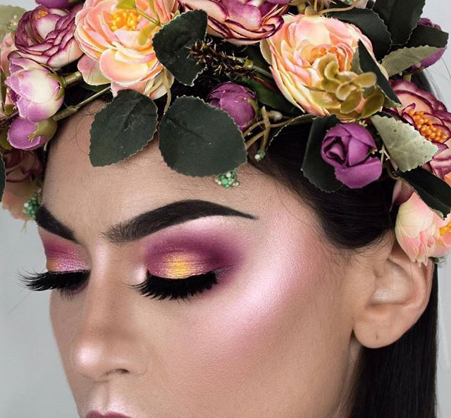 Flower Child 🌸🌷🌼 @littledustmua looking so ethereal in this  stunning look using the 35B and 35U palettes. Show our #MorpheBabe some love