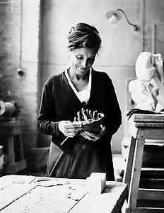Louise Bourgeois ルイーズ・ブルジョワ