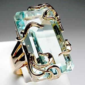 Vintage Retro Natural Aquamarine Cocktail Ring Solid 14K Gold