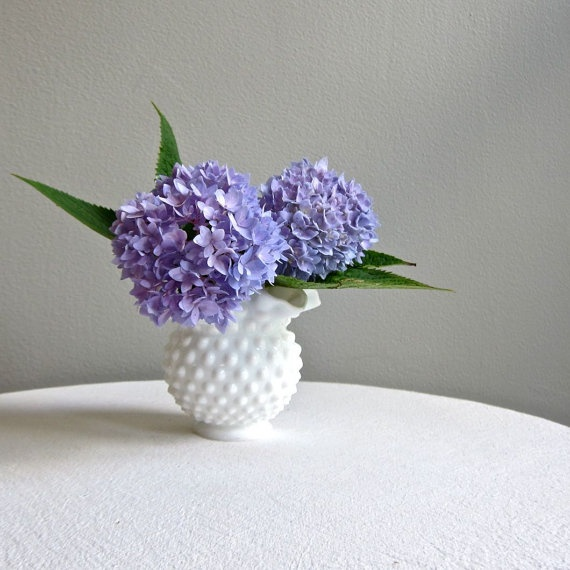 hobnail milk glass.Fenton Hobnail, Hobnail Design, 28 00, Glass Vase, Milkglass Wedding, Hobnail Milk, Glasses Vases, Glasses Bowls, Milk Glasses