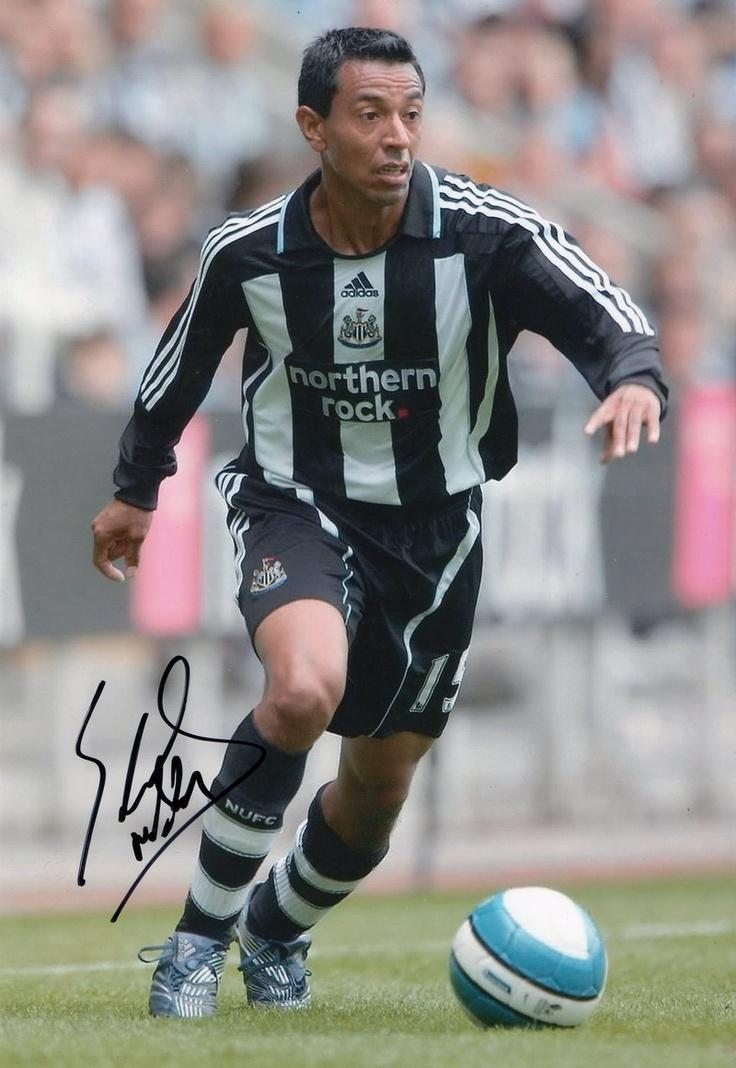 Nolberto Solano es la mas famoso peruvian jugadores de futbol pero es retirado hora.