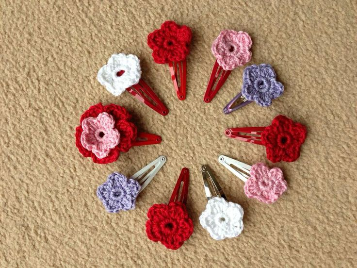 Crochet hair clips Things we have made ? Pinterest