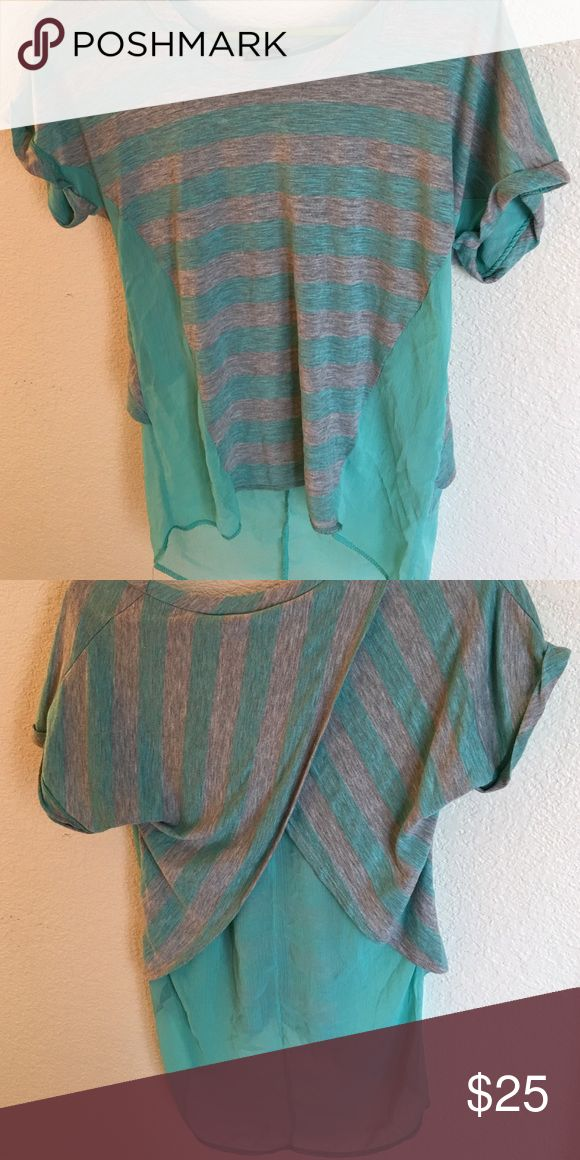 🌟Last day🌟Daytrip turquoise shirt from Buckle Daytrip  from buckle shirt, preloved, but in great condition. Daytrip Tops Tees - Short Sleeve