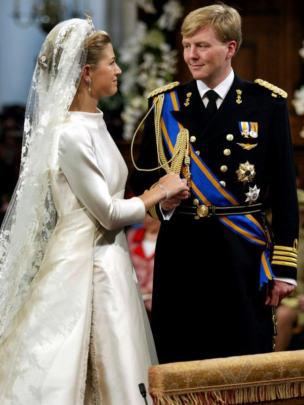 Princess Maxima & Prince Willem Alexander (Dutch), love the lace in her pleats