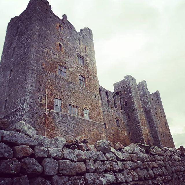Michael Bolton's Castle I mean #boltoncastle #castle