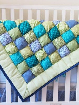 I want a pink one!Quilt Ideas, Baby Quilts, Puff Baby, Baby Sewing, Baby Blankets, Puffy Quilt, Quilt Tutorials, Puff Quilt, Sewing Tutorials