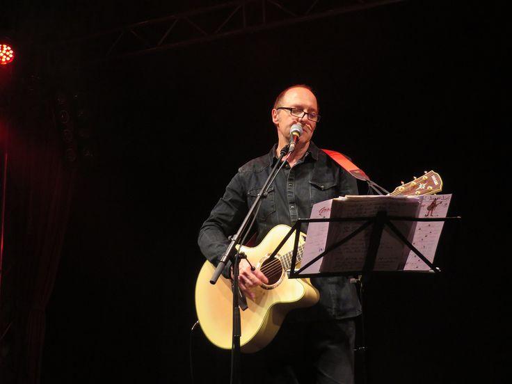 """Funny van Dannen hat im letzten Jahr seine Konzerte im Berliner Lido aufgenommen und bringt diese jetzt heraus: """"come on ... live im lido"""""""