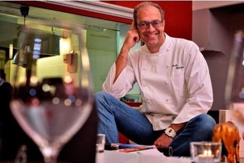 Lo chef Olimpico Nicola Batavia ha fatto bis: ha aperto il Bistrot: «The Egg» Il locale simboleggia la nuova era dello chef e del Birichin a Torino