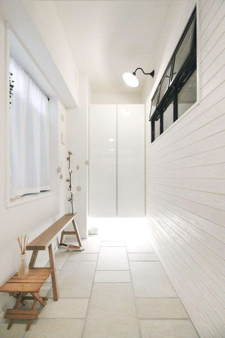 広々とした玄関土間(建築家とつくりあげた理想のリノベーション空間) - 玄関事例|SUVACO(スバコ)