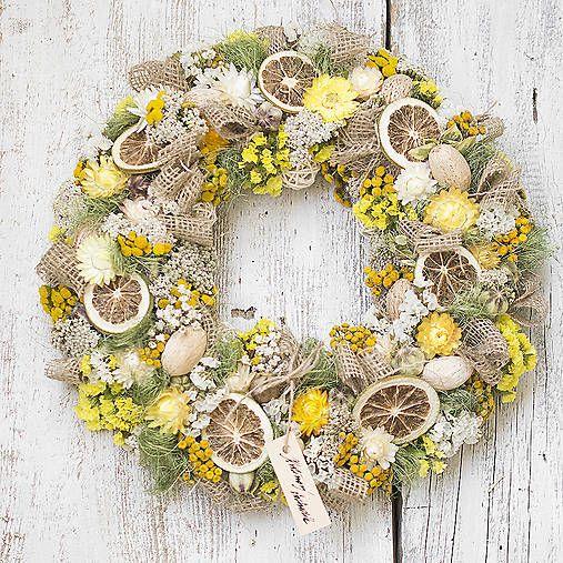 Dry flowers wreath, natur, yellow, lemon
