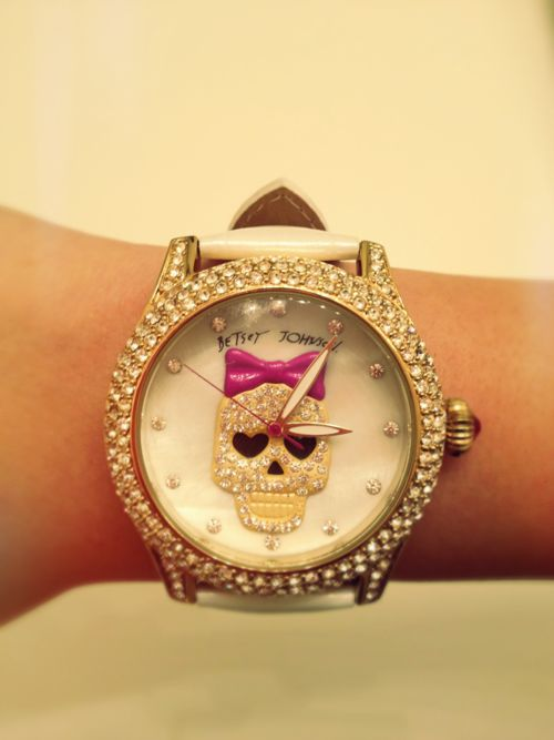 Betsey Johnson Skull Watch. yeah this is the cutest thing ever