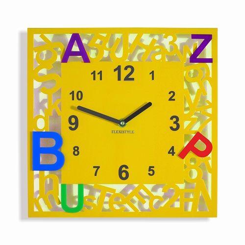 Detské hodiny na stenu s farebnými písmenkami